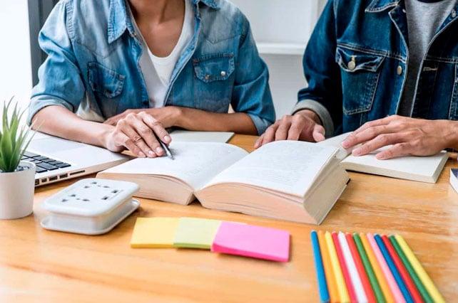 5-ventajas-de-las-clases-de-inglés-a-domicilio-para-jóvenes-trabajadores